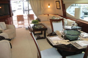68' Lazzara 68 Pilothouse Motoryacht 2005 Main salon aft