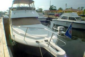 40' Carver 404 Cockpit Motor Yacht 1999 Stbd forward