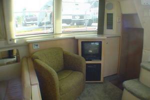40' Carver 404 Cockpit Motor Yacht 1999 Main salon aft