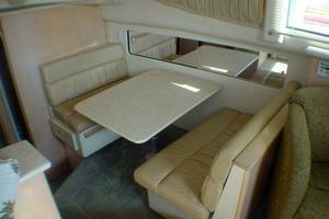 40' Carver 404 Cockpit Motor Yacht 1999 Dinette