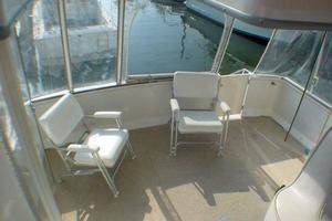 40' Carver 404 Cockpit Motor Yacht 1999 Aft deck
