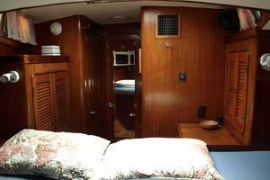 47' Gulfstar 47 Sailmaster 1979 VIP stateroom aft