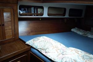 47' Gulfstar 47 Sailmaster 1979 VIP stateroom 2