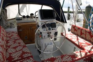 47' Gulfstar 47 Sailmaster 1979 Updated helm pedestal