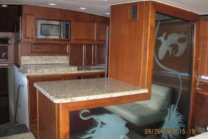 55' Hatteras Convertible 1985 Decorative Wall in Salon