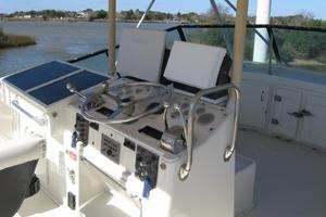 55' Hatteras Convertible 1985 Bridge Controls