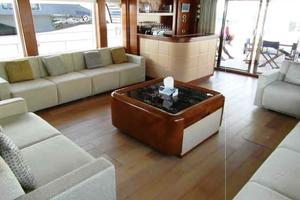 105' Majesty Yachts 105 2014 Saloon Starboard