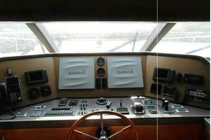 105' Majesty Yachts 105 2014 Pilothouse Controls