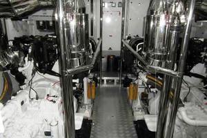 105' Majesty Yachts 105 2014 Engine Room