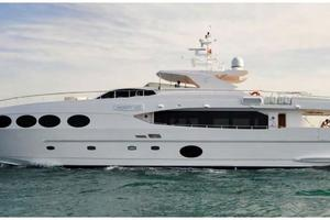 105' Majesty Yachts 105 2014 Side Profile
