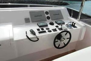 105' Majesty Yachts 105 2014 Flybridge Controls