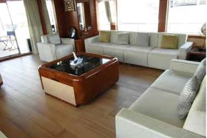 105' Majesty Yachts 105 2014 Saloon Port