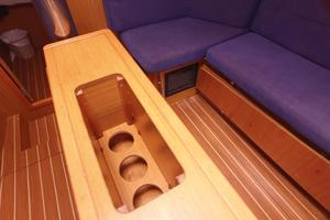 42' Jeanneau Sun Odyssey 42 Ds 2009 Salon Table Wine Storage