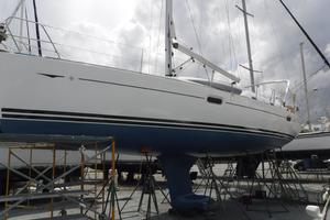 42' Jeanneau Sun Odyssey 42 Ds 2009 Hull wax and bottom paint