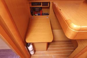 42' Jeanneau Sun Odyssey 42 Ds 2009 Navstation Chair