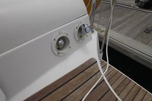 42' Jeanneau Sun Odyssey 42 Ds 2009 Cockpit Shower