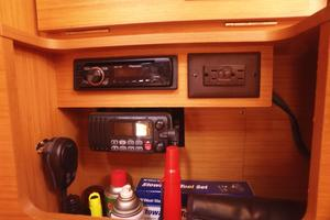 42' Jeanneau Sun Odyssey 42 Ds 2009 VHF, Stereo, and Storage