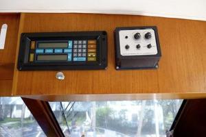 48' Ocean 48 Motor Yacht 1989 Mounted Electronics