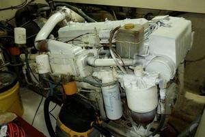 48' Ocean 48 Motor Yacht 1989 Engine