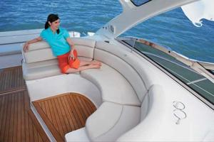 44' Regal 4460 Commodore 2009 Manufacturer Provided Image