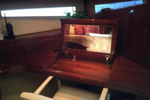 54' Savannah Hinckley Express Cruiser 2008 Master Vanity
