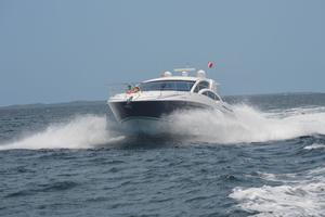 54' Savannah Hinckley Express Cruiser 2008 Bow Running