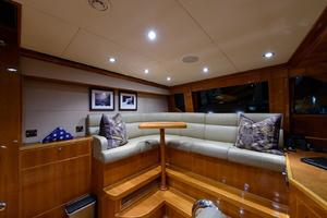 101' Hargrave  2010 Pilothouse Seating
