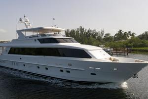 101' Hargrave  2010 Starboard Profile
