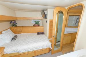 102' Crescent Motor Yacht 1991 Captain's Stateroom