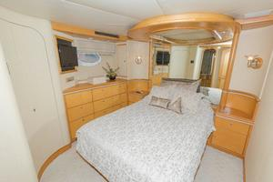 102' Crescent Motor Yacht 1991 Guest Stateroom Starboard