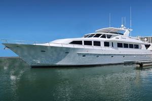 102' Crescent Motor Yacht 1991