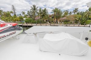 102' Crescent Motor Yacht 1991 Boat deck