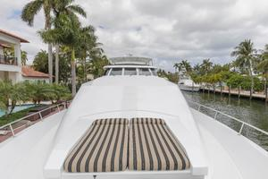 102' Crescent Motor Yacht 1991 Foredeck