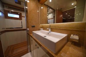 127' IAG Motor Yacht 2010 Guest Bath