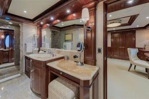 Main Deck Master Bath