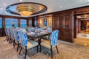 180' Newcastle 5500 Series 2011 Formal Dining