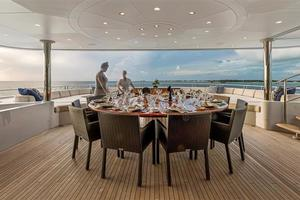 180' Newcastle 5500 Series 2011 Bridge Deck Dining