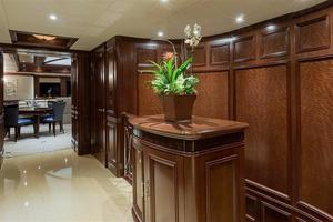 180' Newcastle 5500 Series 2011 Bridge Deck Foyer