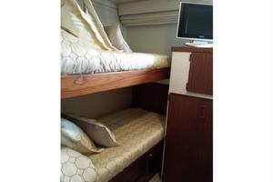 74' Hatteras Series 60 CPMY 1988 Guest Stateroom 4