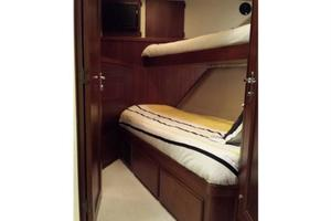 74' Hatteras Series 60 Cpmy 1988 Guest Stateroom 3