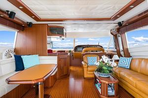74' Mochi Craft Motor Yacht 2006 74' Mochi Craft Salon