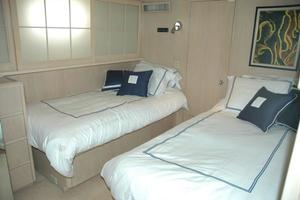 108' Broward Motor Yacht 1995 Guest Stateroom