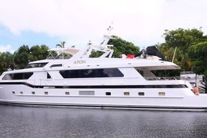 108' Broward Motor Yacht 1995 Profile