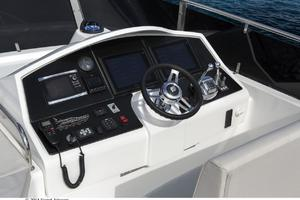 60' Dyna Dyna Craft 60-11 2015 Flybridge Helm