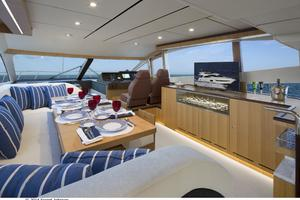 60' Dyna Dyna Craft 60-11 2015 Dining Area