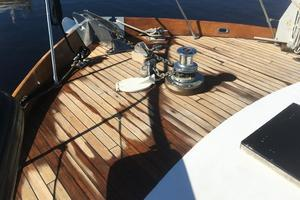 61' Huckins Atlantic 1965 Foredeck