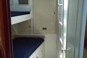 61' Huckins Atlantic 1965 Forward Stateroom