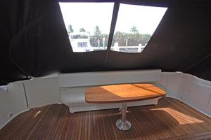 56' Sea Ray 560 Sedan Bridge 2000 Aft Deck