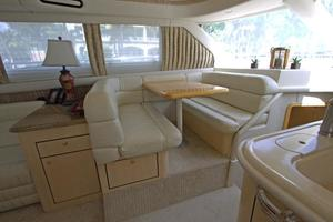 56' Sea Ray 560 Sedan Bridge 2000 Dinette