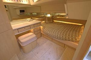 56' Sea Ray 560 Sedan Bridge 2000 VIP Stateroom